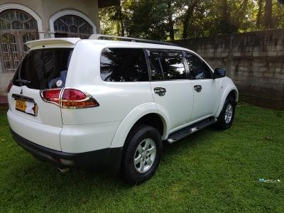 Mitsubishi Montero Sports 2012