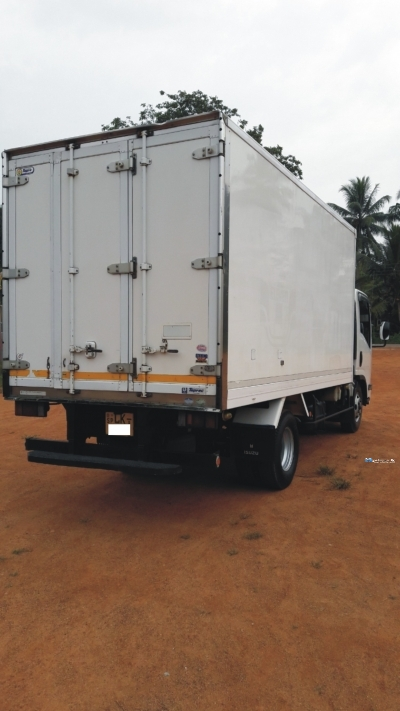 Isuzu Freezer Truck 2009 In Sri Lanka