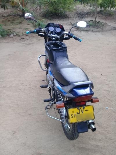 Bajaj CT100 2004