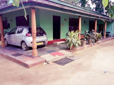 House for Sale - Hingurakgoda