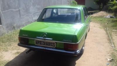 Mercedes Benz W115 220 1978