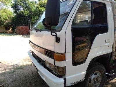 Isuzu 4HF1 350 Lorry 1991