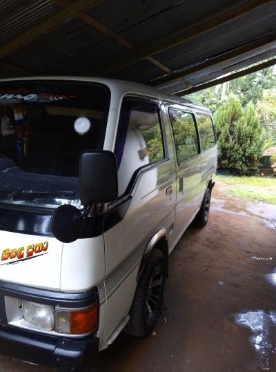 Nissan Caravan 1989