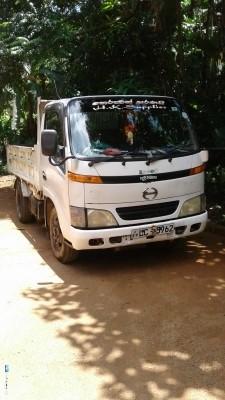 Toyota Dayana Dutro 2001