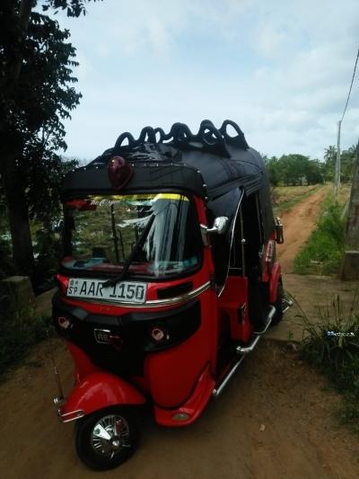 Bajaj 4 Stroke Three Wheeler In Sri Lanka