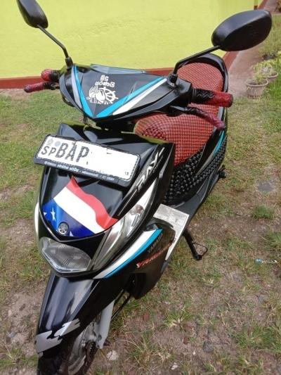Yamaha Ray 2013
