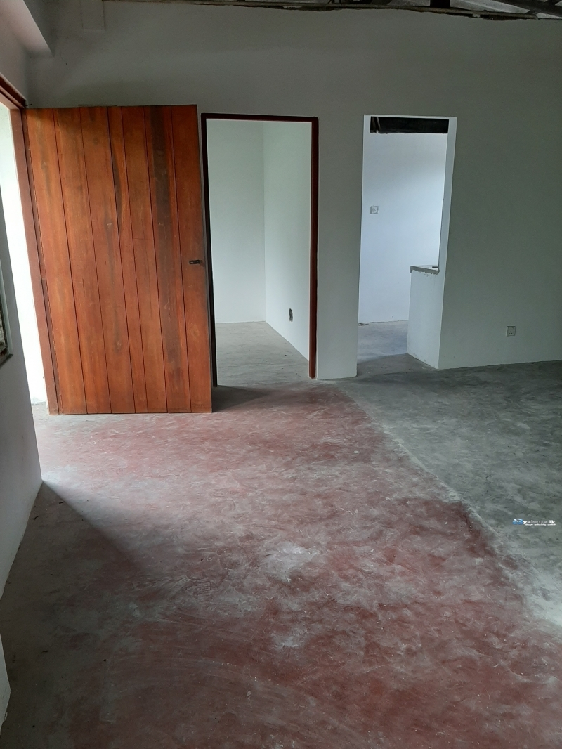 Upstairs House for Rent in Mirihana