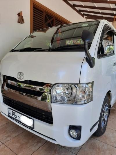 Toyota KDH 201 2015