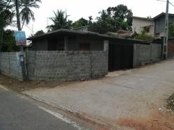House with Land for Sale in Athurugiriya