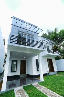 A Brand New Two Storied Luxury Modern House in Kottawa