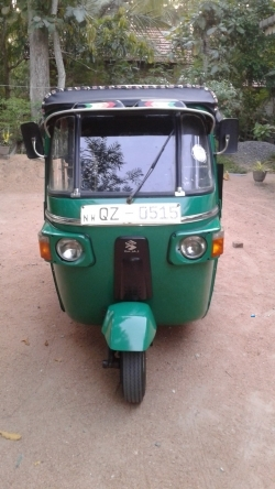 Bajaj 4 Stock Three Wheeler