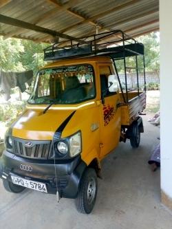 Mahindra GIO Truck 2011