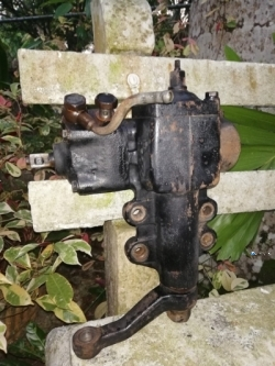 Nissan D21 4X4 Power Steering Box