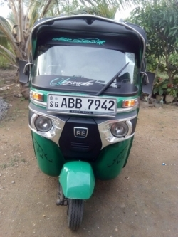 Bajaj 4 Stroke Three Wheeler