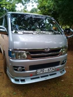 Toyota KDH 200 2004