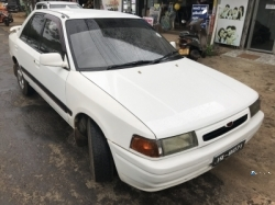 Mazda Familia Full Light 1990