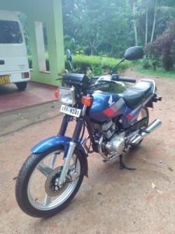 Honda CB 125 1999