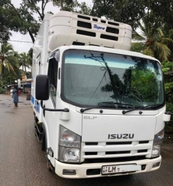 Isuzu ELF Full Body 10.5 2017