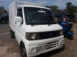 Mitsubishi Mini Cab Freezer 2003