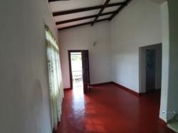 Upstairs House for Rent in Mulleriyawa
