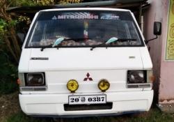Mitsubishi L300 1982