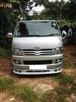 Toyota KDH 2015