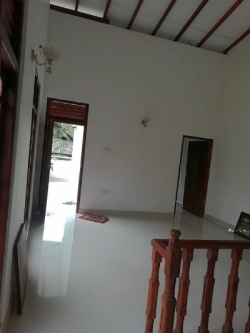 Upstairs House for Rent in Kottawa
