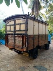 Isuzu Single Wheel Lorry